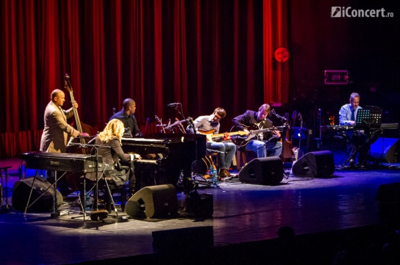 diana-krall-sala-palatului-bucuresti-2013-glad-rag-doll BAND